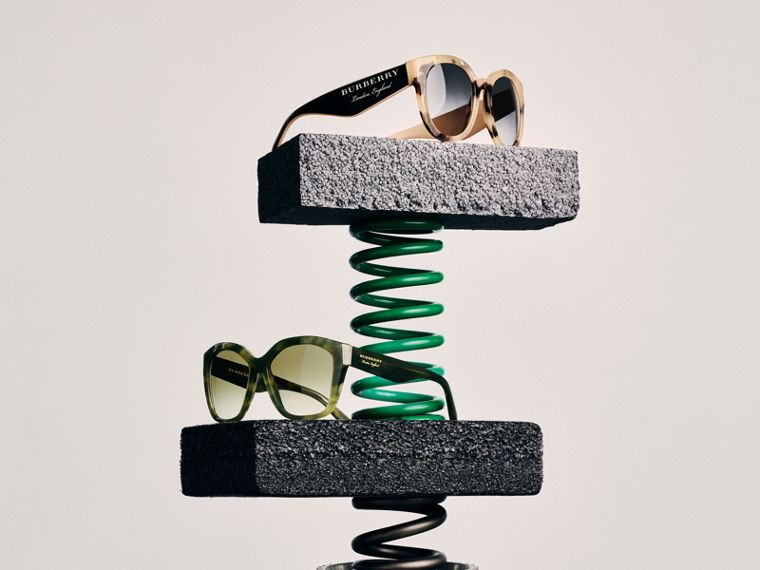 Square Frame Sunglasses in Smokey Green - Women | Burberry - cell image 4