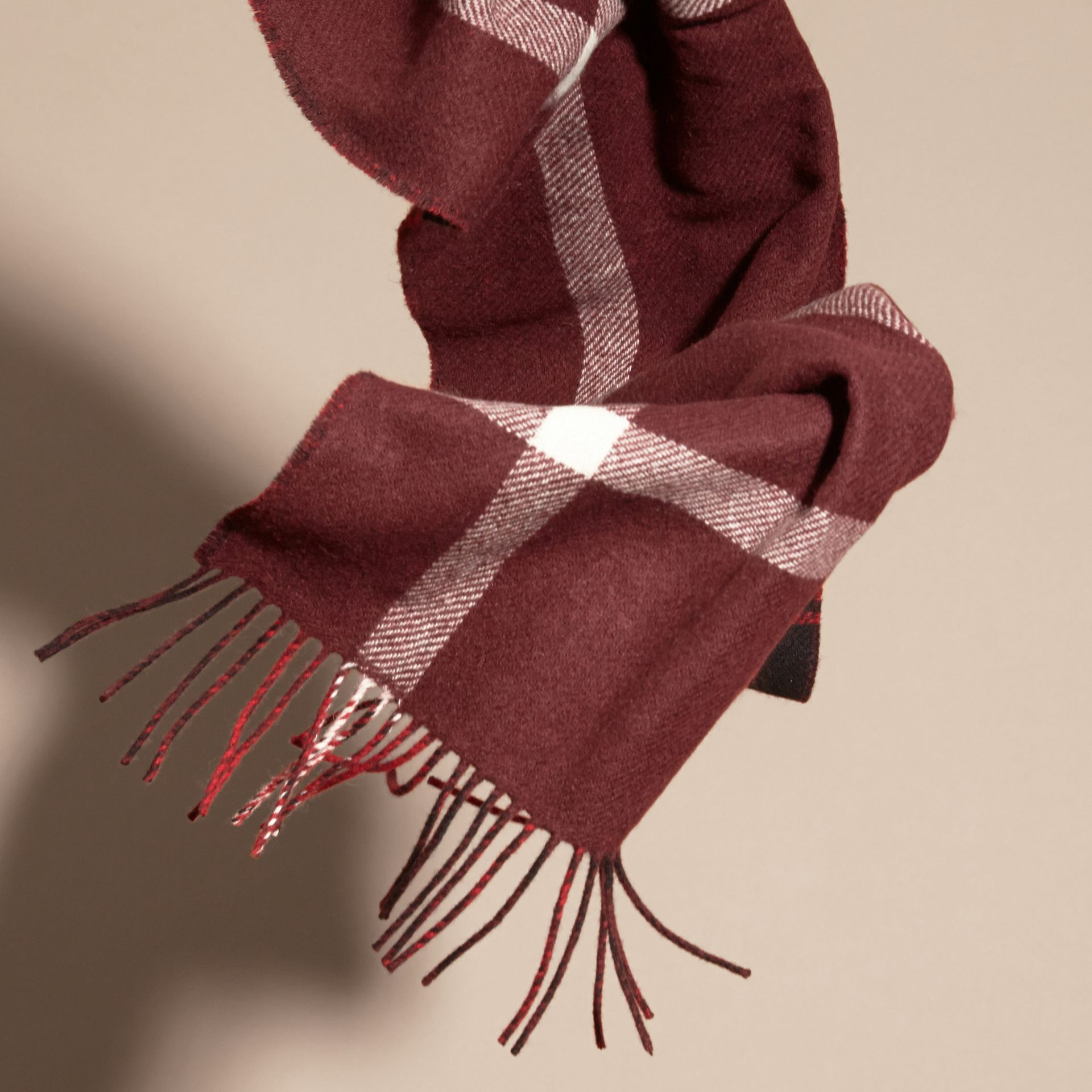 Deep red The Reversible Cashmere Scarf in Tartan Check Deep Red - gallery image 4