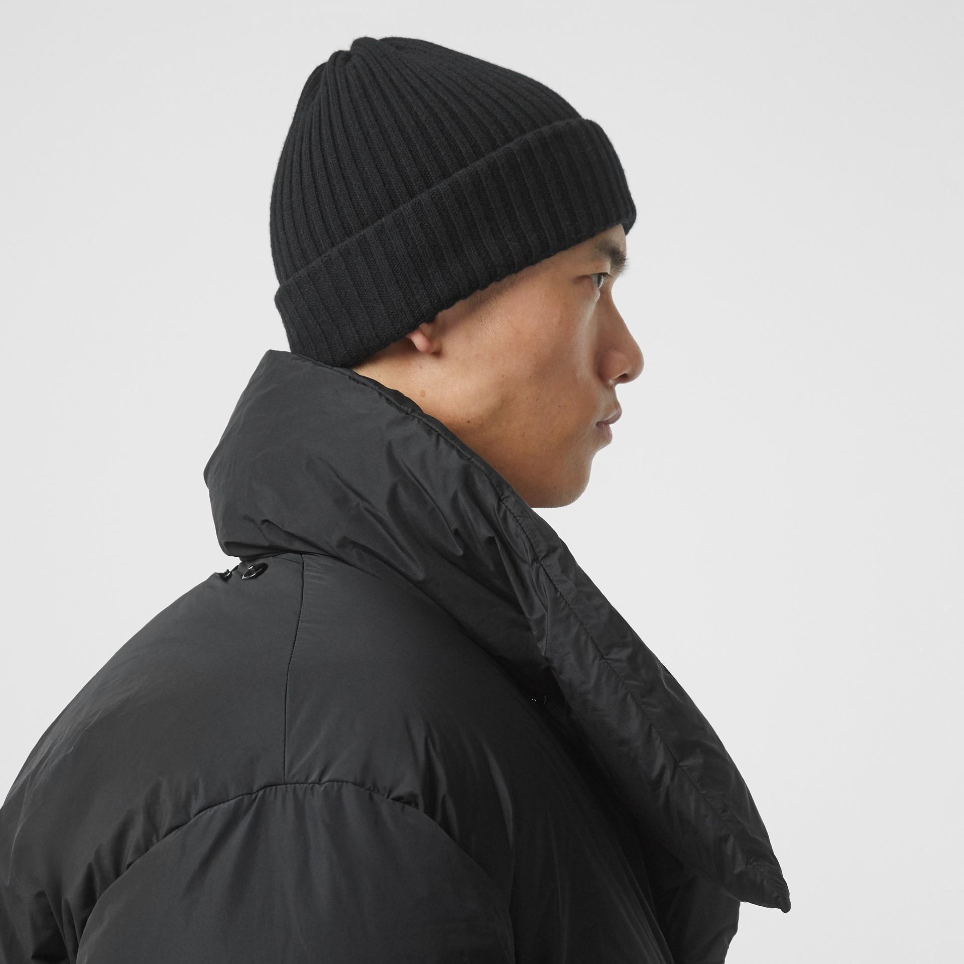 Manteau portefeuille oversize rembourré en duvet avec capuche amovible (Noir) - Homme | Burberry Canada - photo de la galerie 6