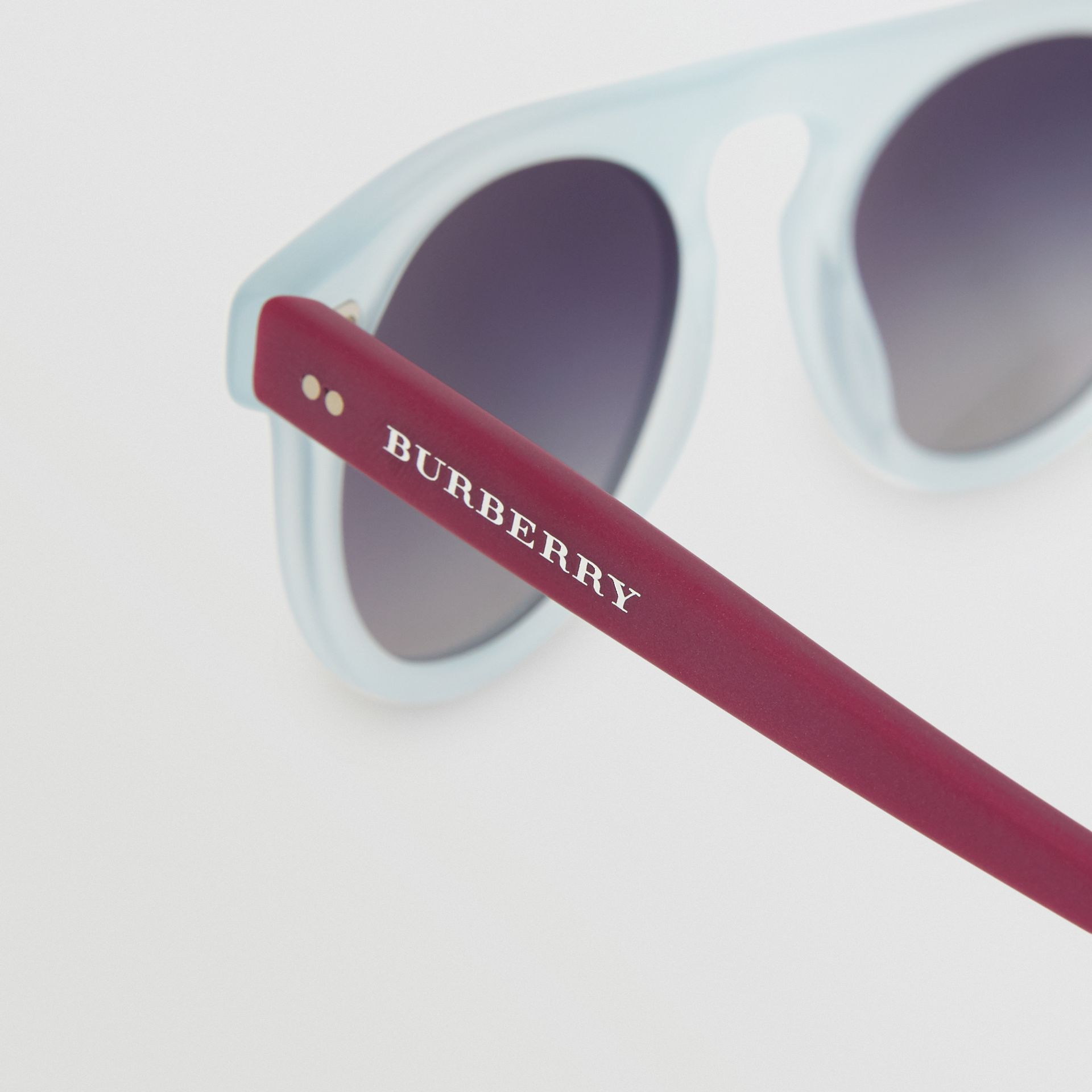 The Keyhole Round Frame Sunglasses in Light Blue | Burberry - gallery image 1
