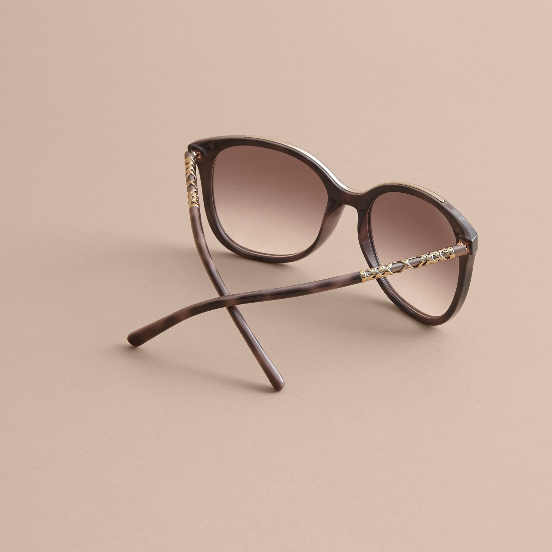 Check Detail Square Frame Sunglasses in Tortoiseshell - Women | Burberry Singapore - gallery image 4