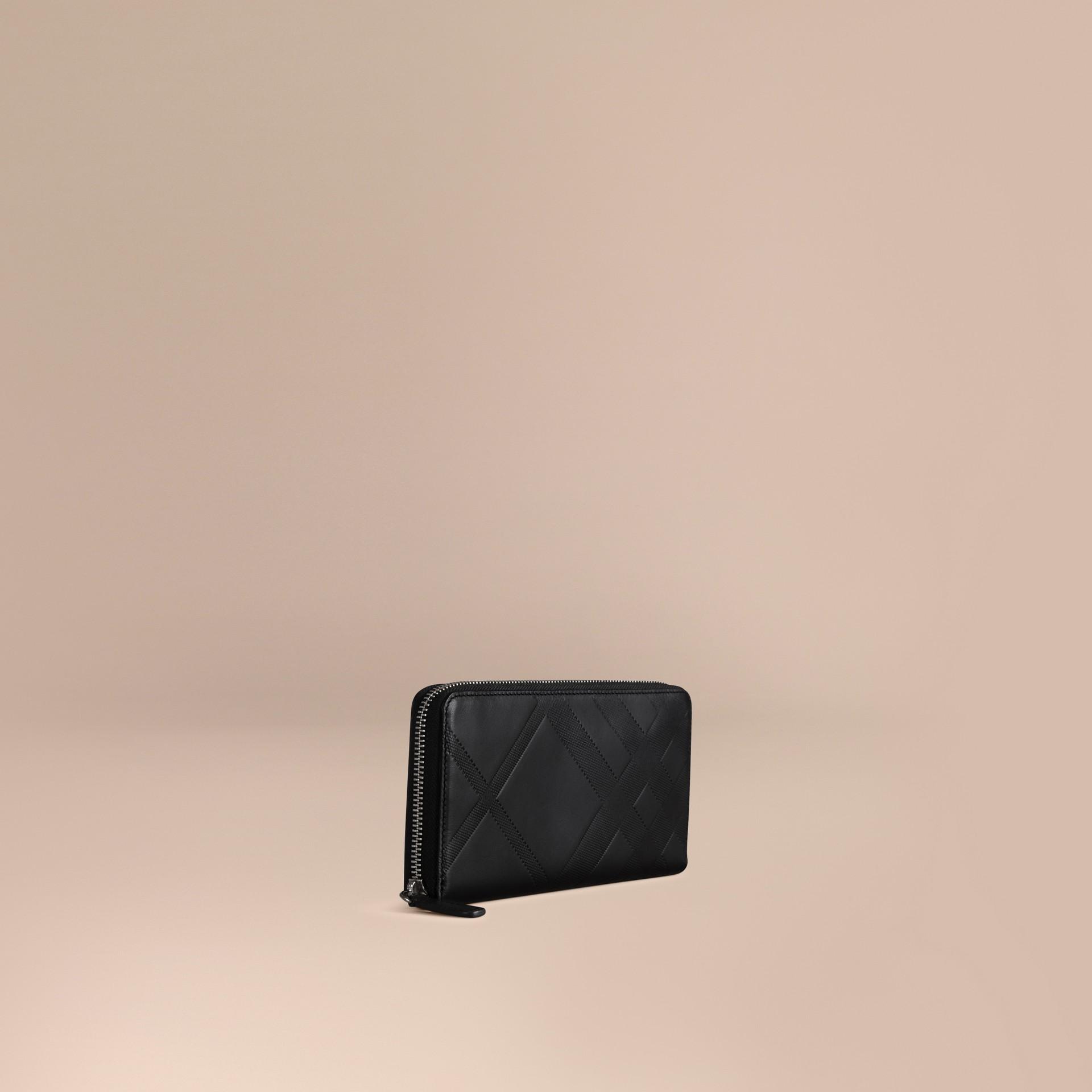 Noir Portefeuille zippé en cuir à motif check estampé Noir - photo de la galerie 1