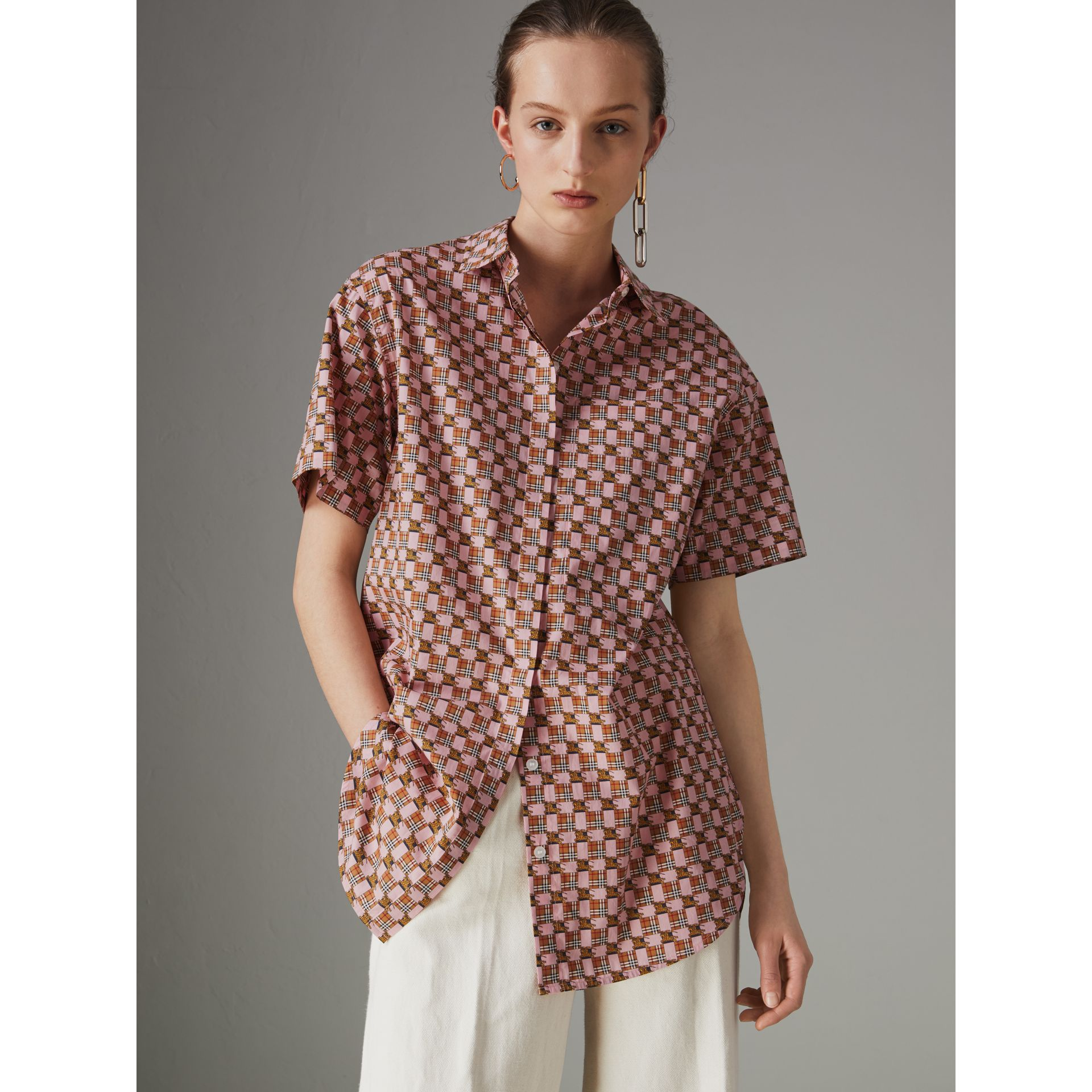 Short-sleeve Tiled Archive Print Cotton Shirt in Pink - Women | Burberry - gallery image 4