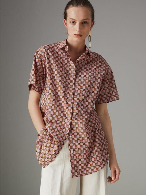 Short-sleeve Tiled Archive Print Cotton Shirt in Pink