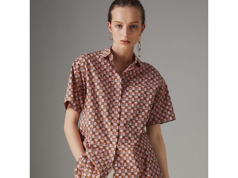 Short-sleeve Tiled Archive Print Cotton Shirt in Pink - Women | Burberry - cell image 4