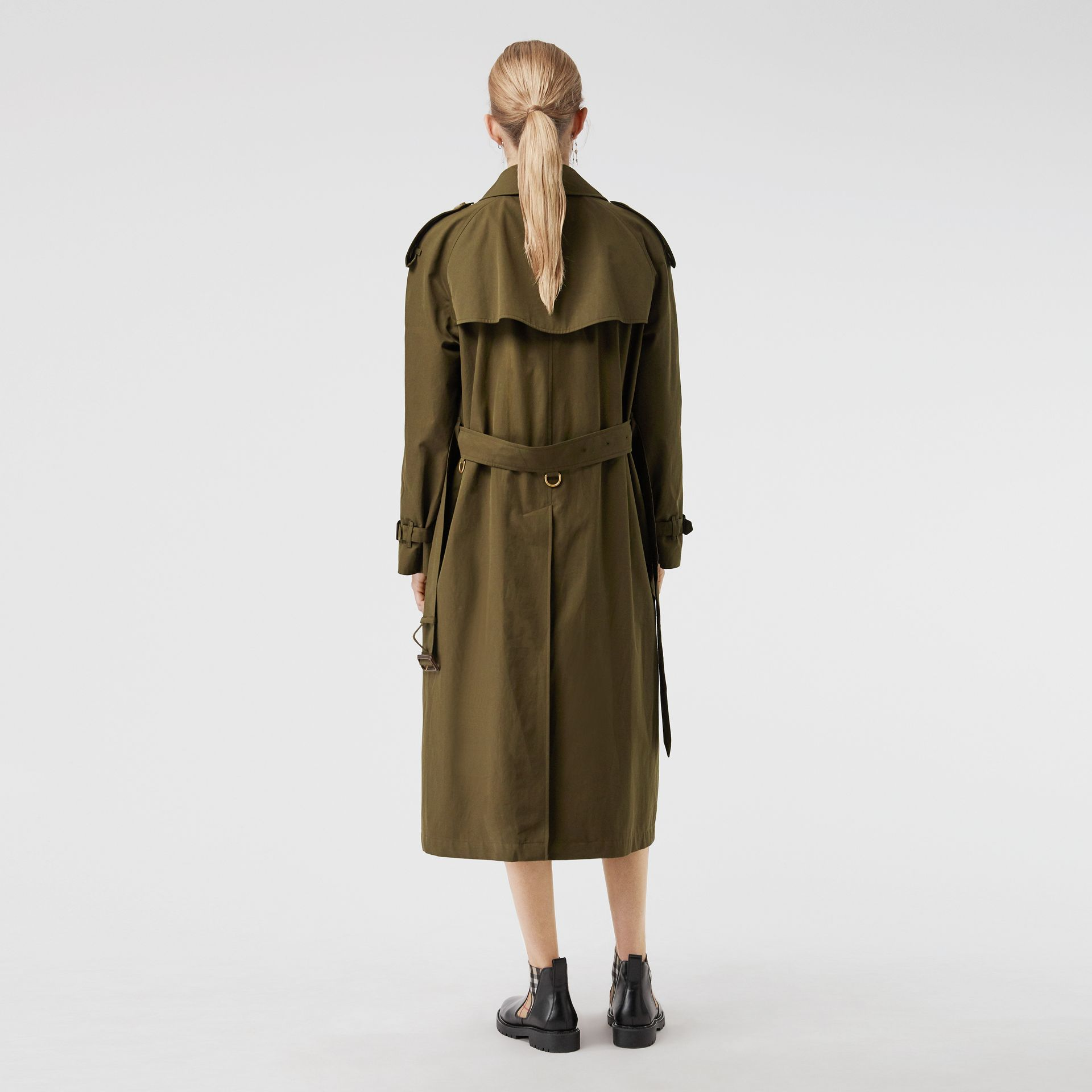 The Long Westminster Heritage Trench Coat in Dark Military Khaki - Women | Burberry Australia - gallery image 2