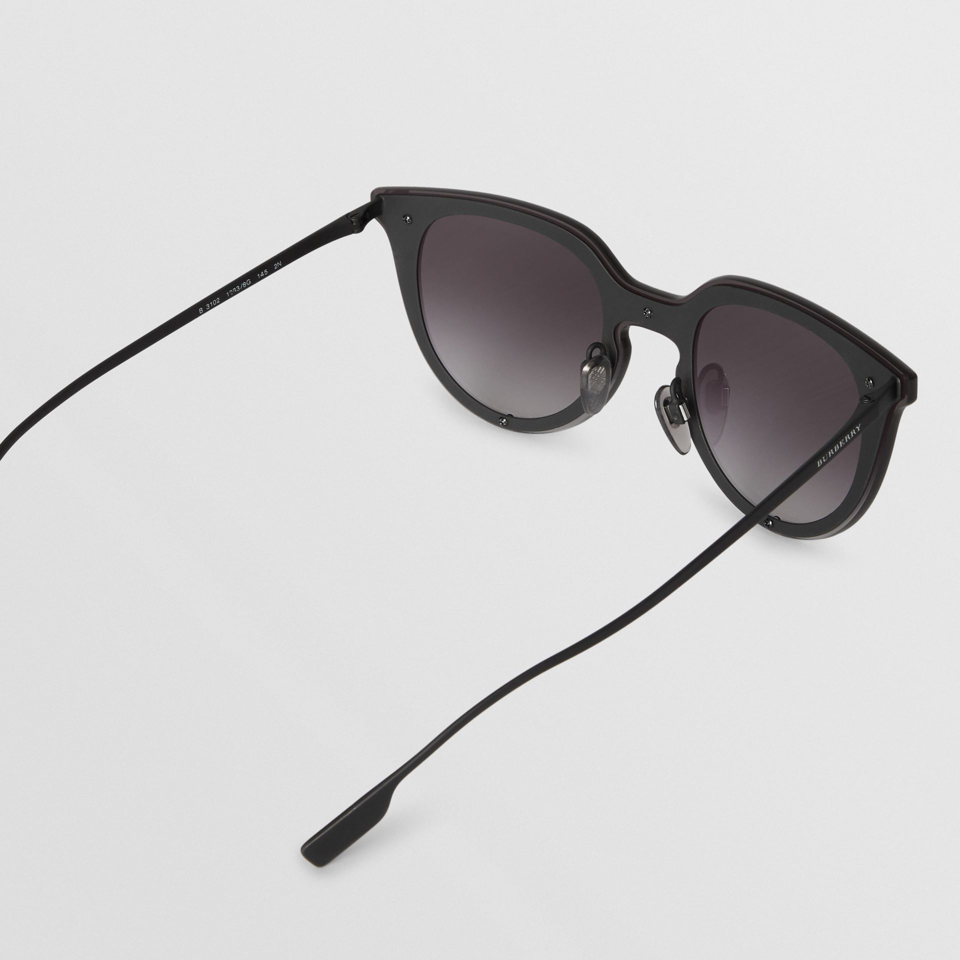 Keyhole Round Frame Shield Sunglasses in Black - Women | Burberry - gallery image 4