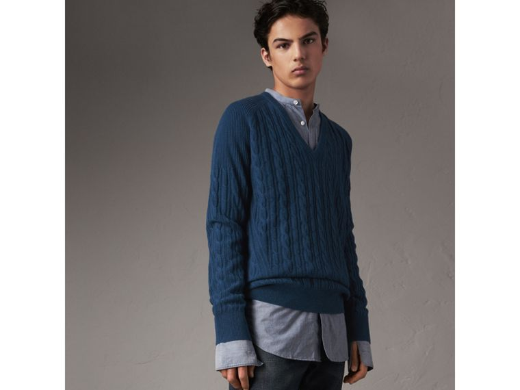 Cable and Rib Knit Cashmere V-neck Sweater in Bright Navy - Men | Burberry Hong Kong - cell image 4