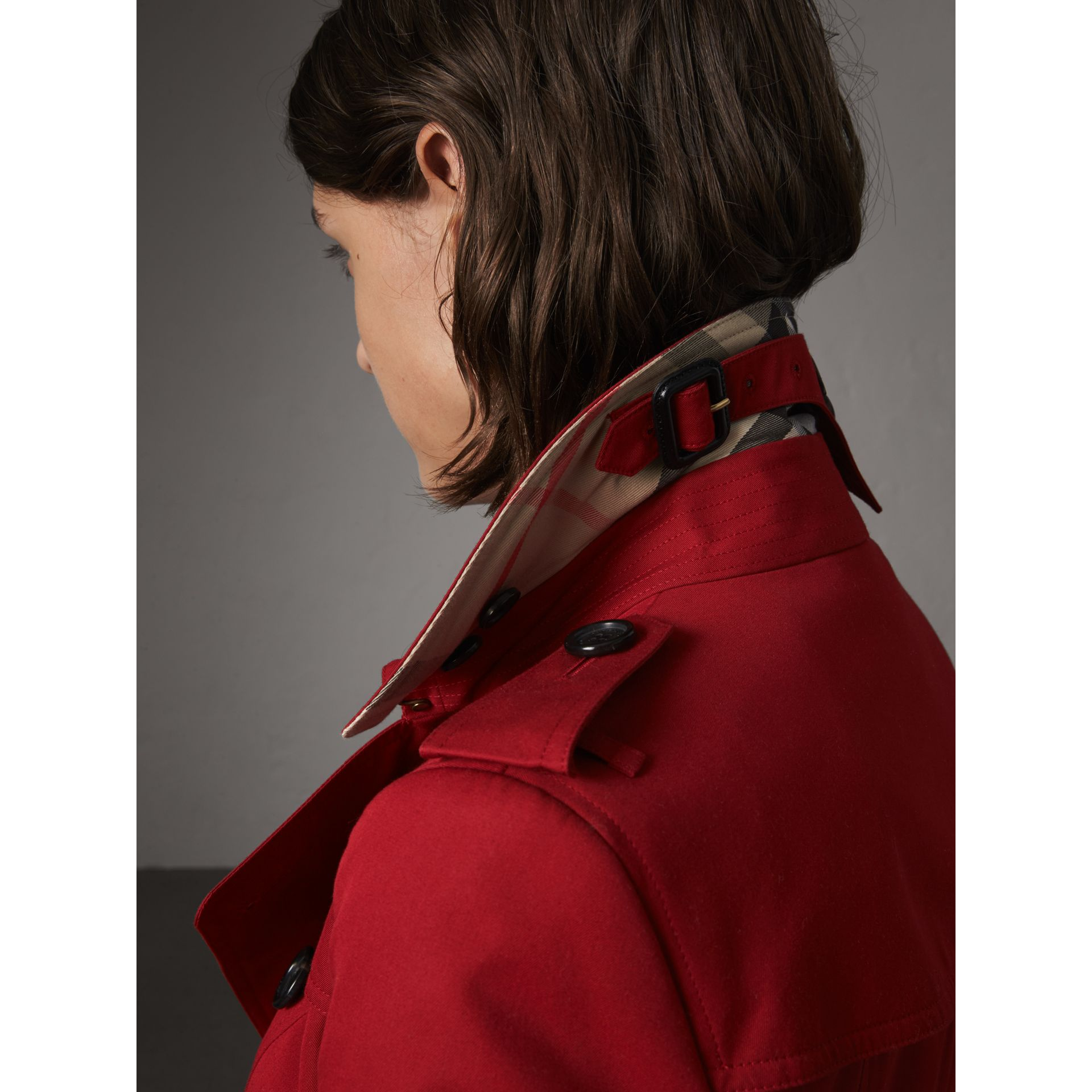The Chelsea – Long Trench Coat in Parade Red - Women | Burberry - gallery image 2