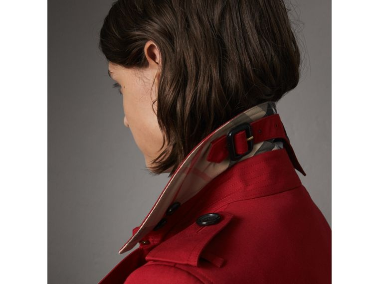 The Chelsea – Long Trench Coat in Parade Red - Women | Burberry - cell image 1