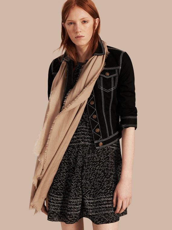 The Lightweight Cashmere Scarf in Camel | Burberry Canada - cell image 2