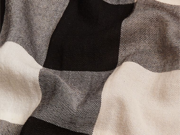 The Lightweight Cashmere Scarf in Check in Stone - cell image 4