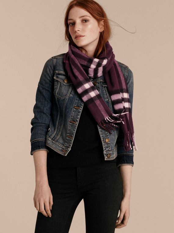 The Classic Cashmere Scarf in Check in Aubergine - cell image 2