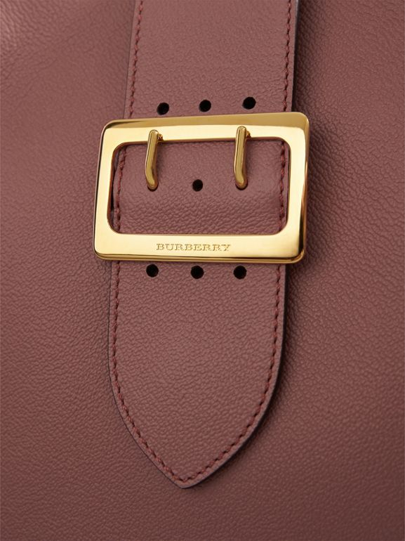 The Medium Buckle Tote in Grainy Leather in Dusty Pink - Women | Burberry United Kingdom - cell image 1