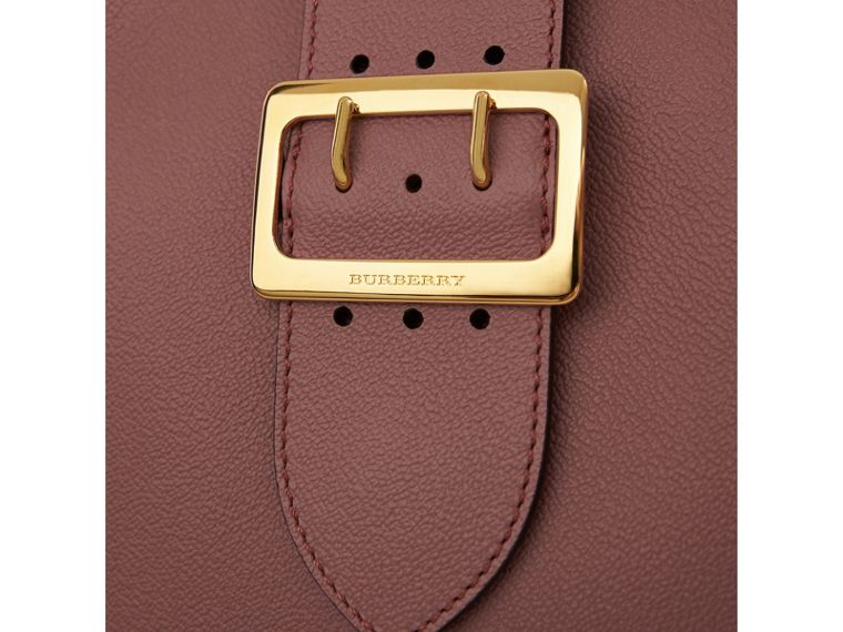 The Medium Buckle Tote in Grainy Leather in Dusty Pink - Women | Burberry - cell image 1