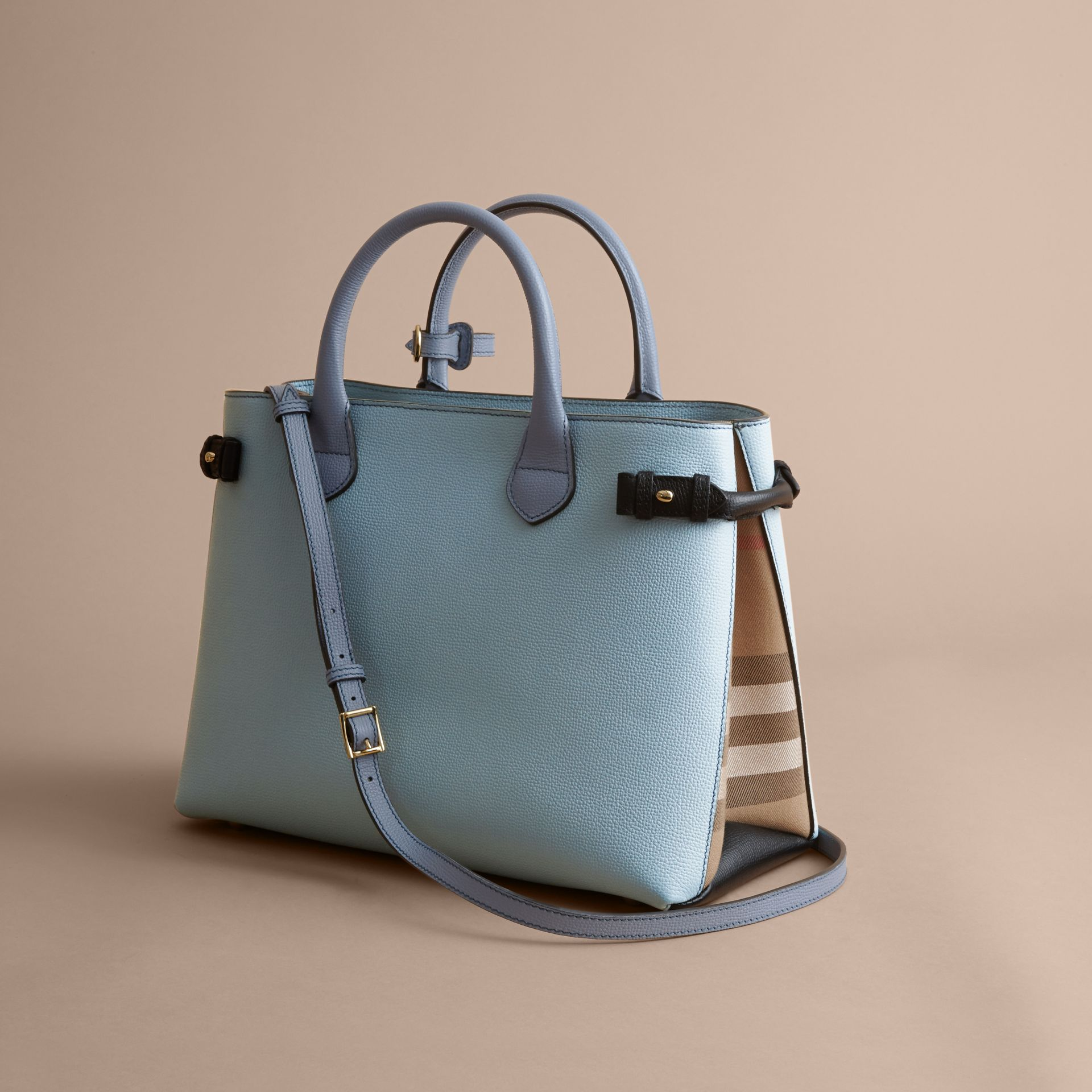 The Medium Banner in Tri-tone Leather and House Check in Pale Opal/slate Blue - Women | Burberry Singapore - gallery image 4