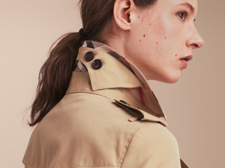 The Sandringham – Extra-long Heritage Trench Coat in Honey - Women | Burberry - cell image 4
