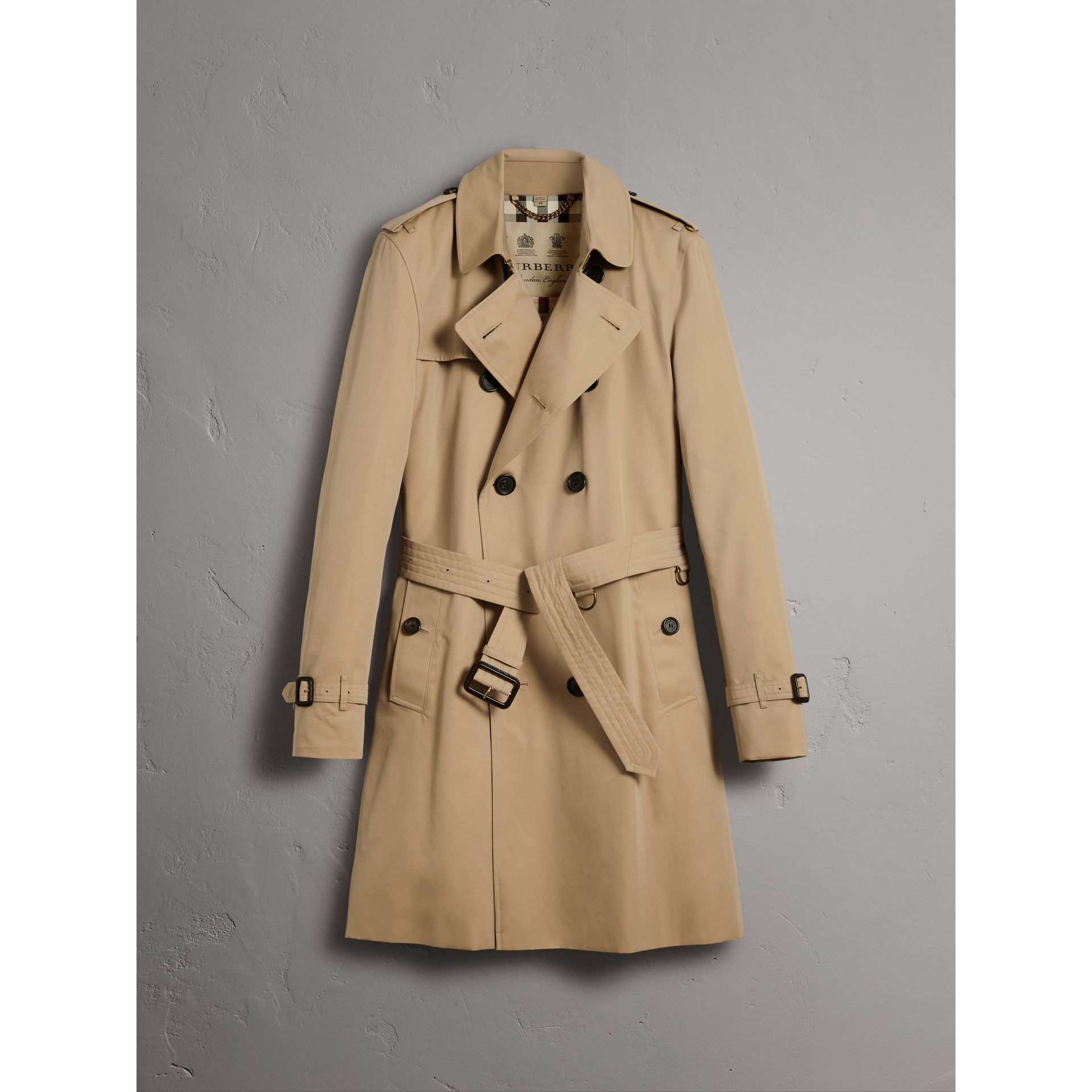The Kensington – Long Trench Coat in Honey - Men | Burberry Australia - gallery image 4