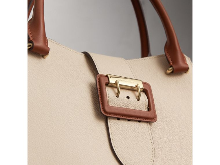 The Medium Buckle Tote in Grainy Leather in Limestone - Women | Burberry Australia - cell image 1
