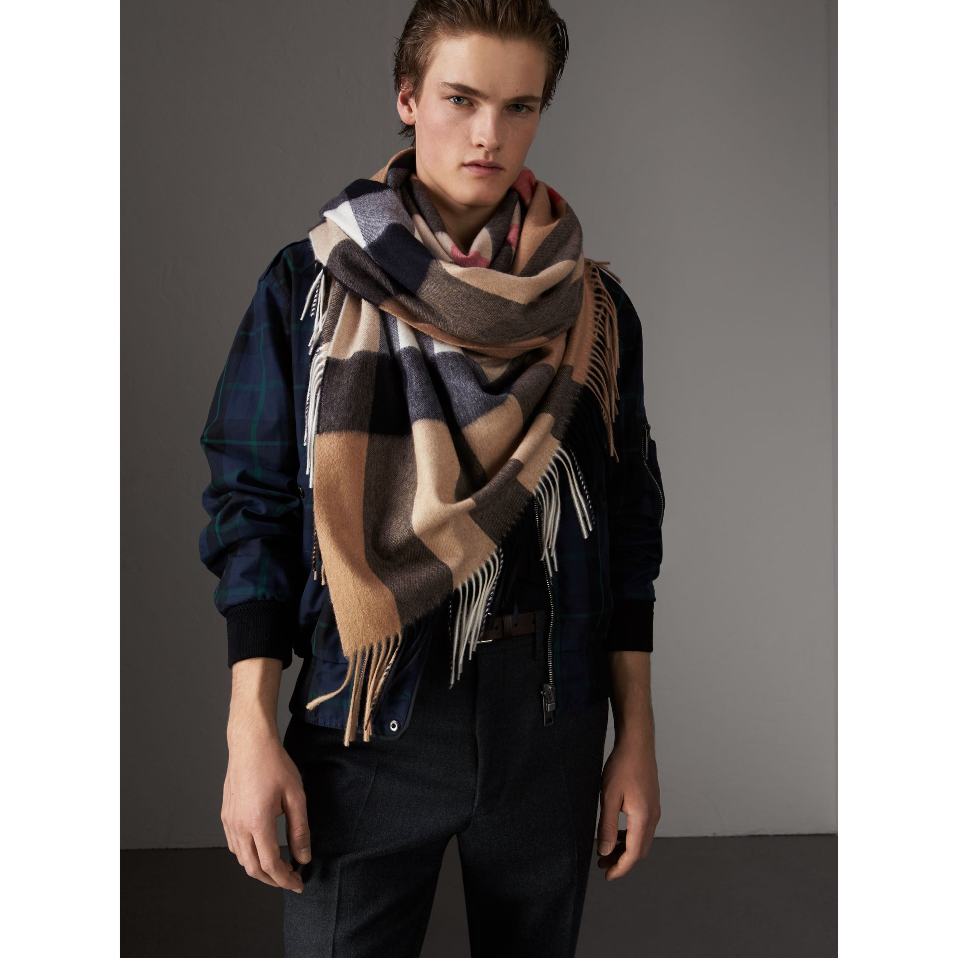 Check Cashmere Wrap in Camel | Burberry - gallery image 8