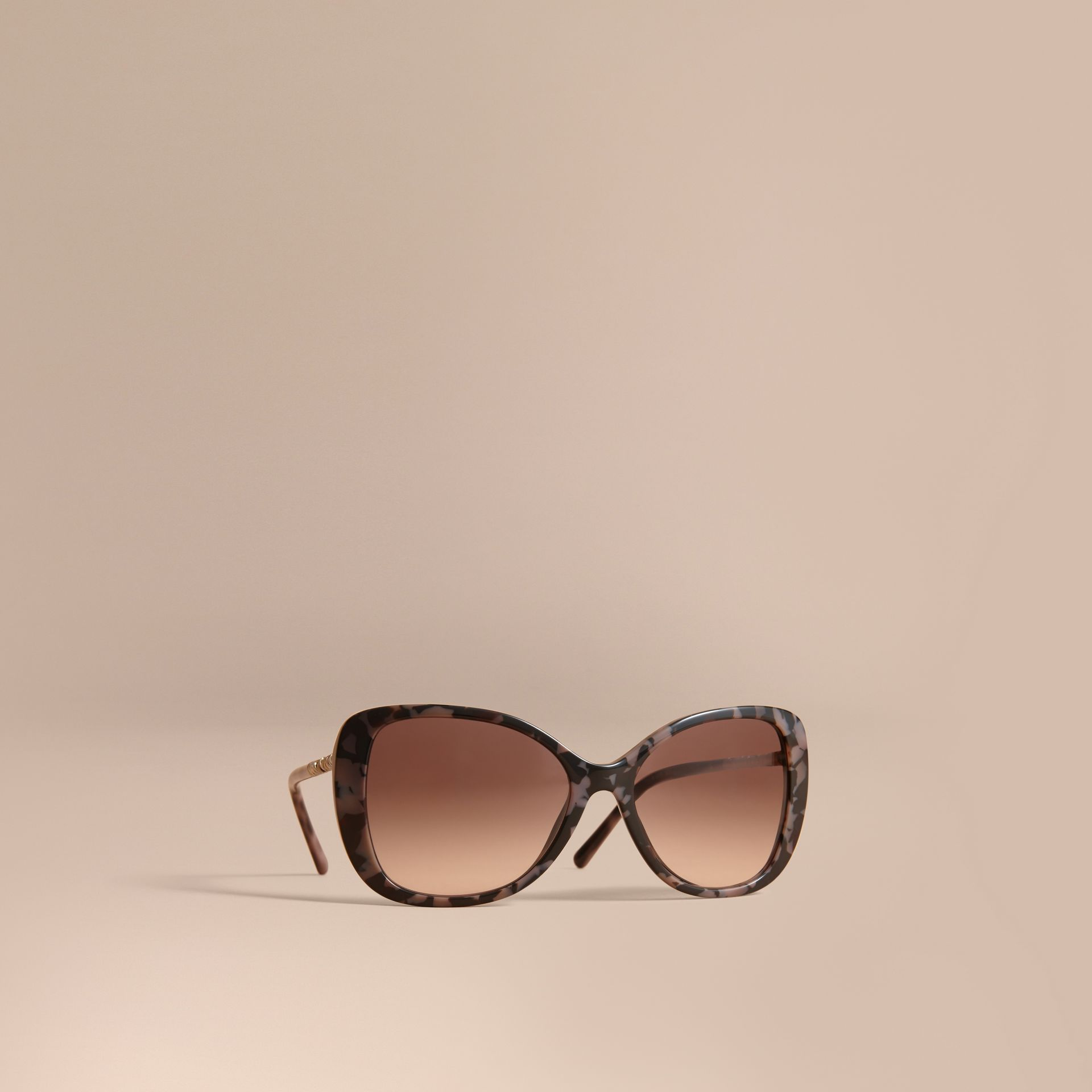 Check Detail Butterfly Frame Sunglasses in Tortoiseshell - gallery image 1