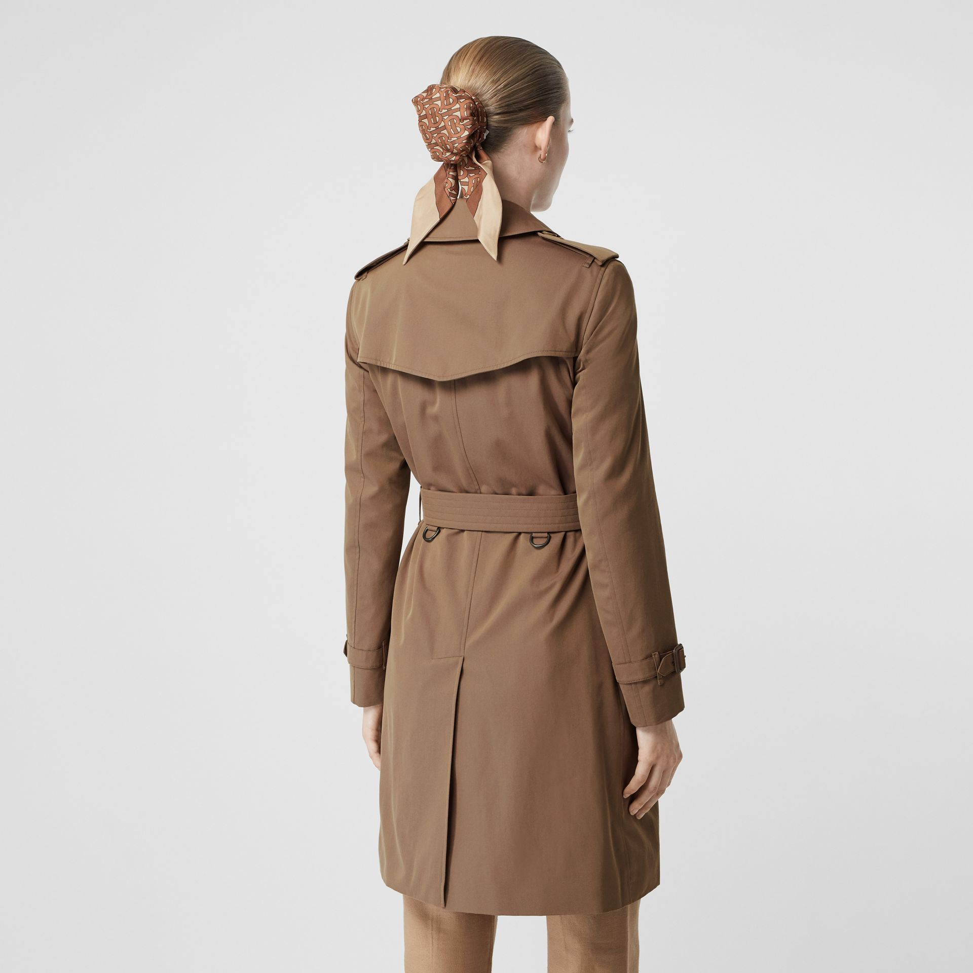 Trench en gabardine tropicale (Taupe) - Femme | Burberry - photo de la galerie 2