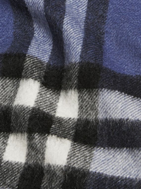 Thistle blue The Mini Classic Cashmere Scarf in Check - cell image 3
