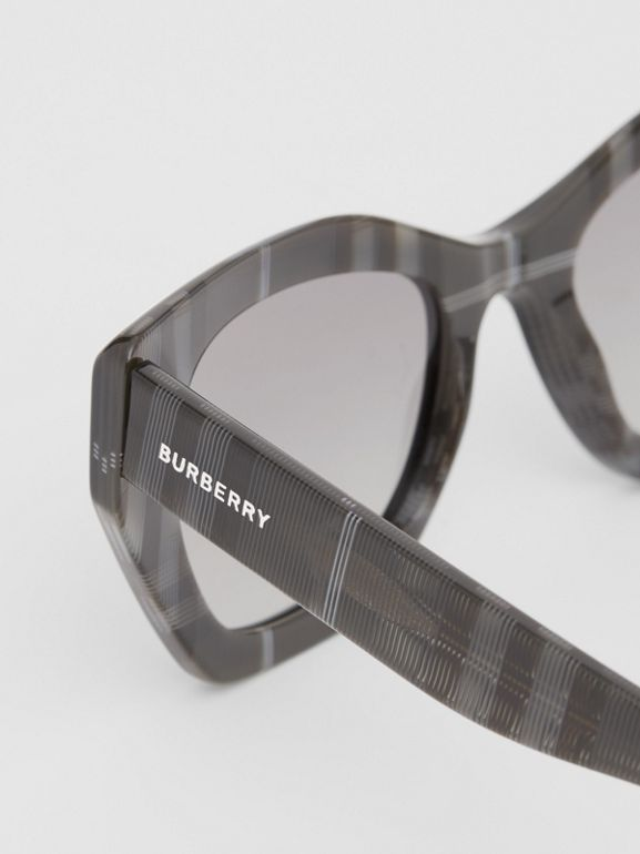 Butterfly-Sonnenbrille (Transparentes Dunkelgrau) - Damen | Burberry - cell image 1