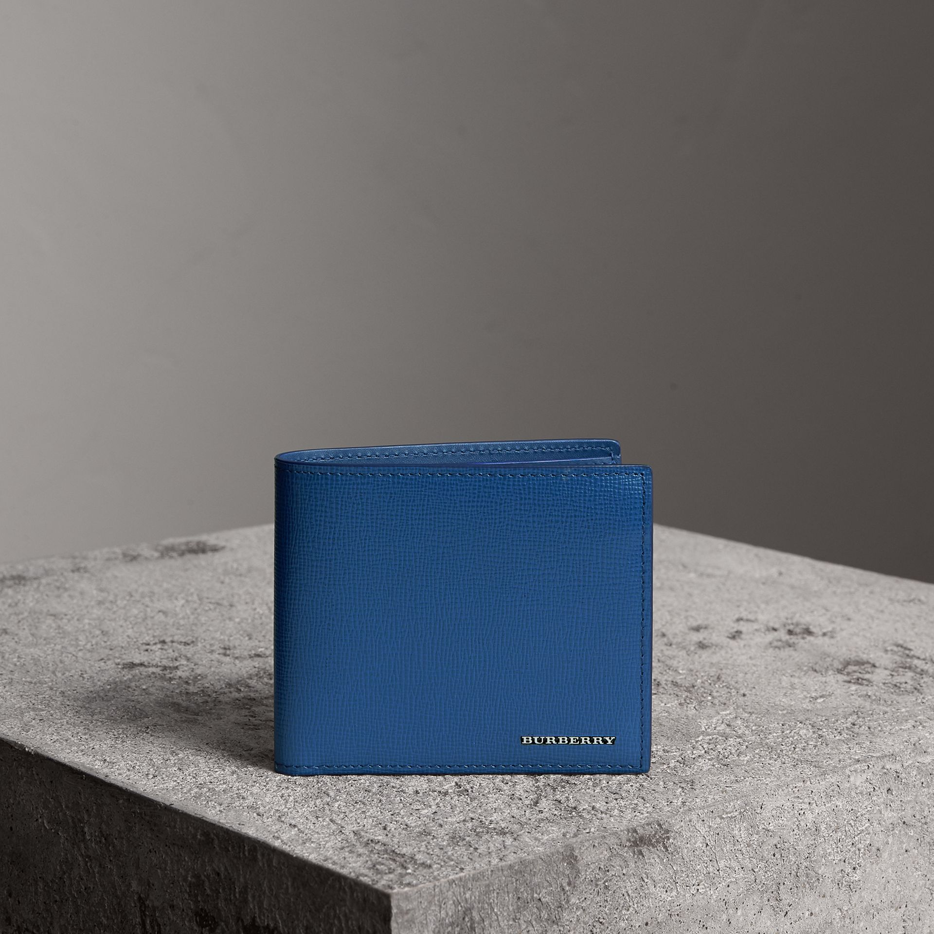 London Leather International Bifold Wallet in Deep Blue | Burberry Hong Kong - gallery image 0