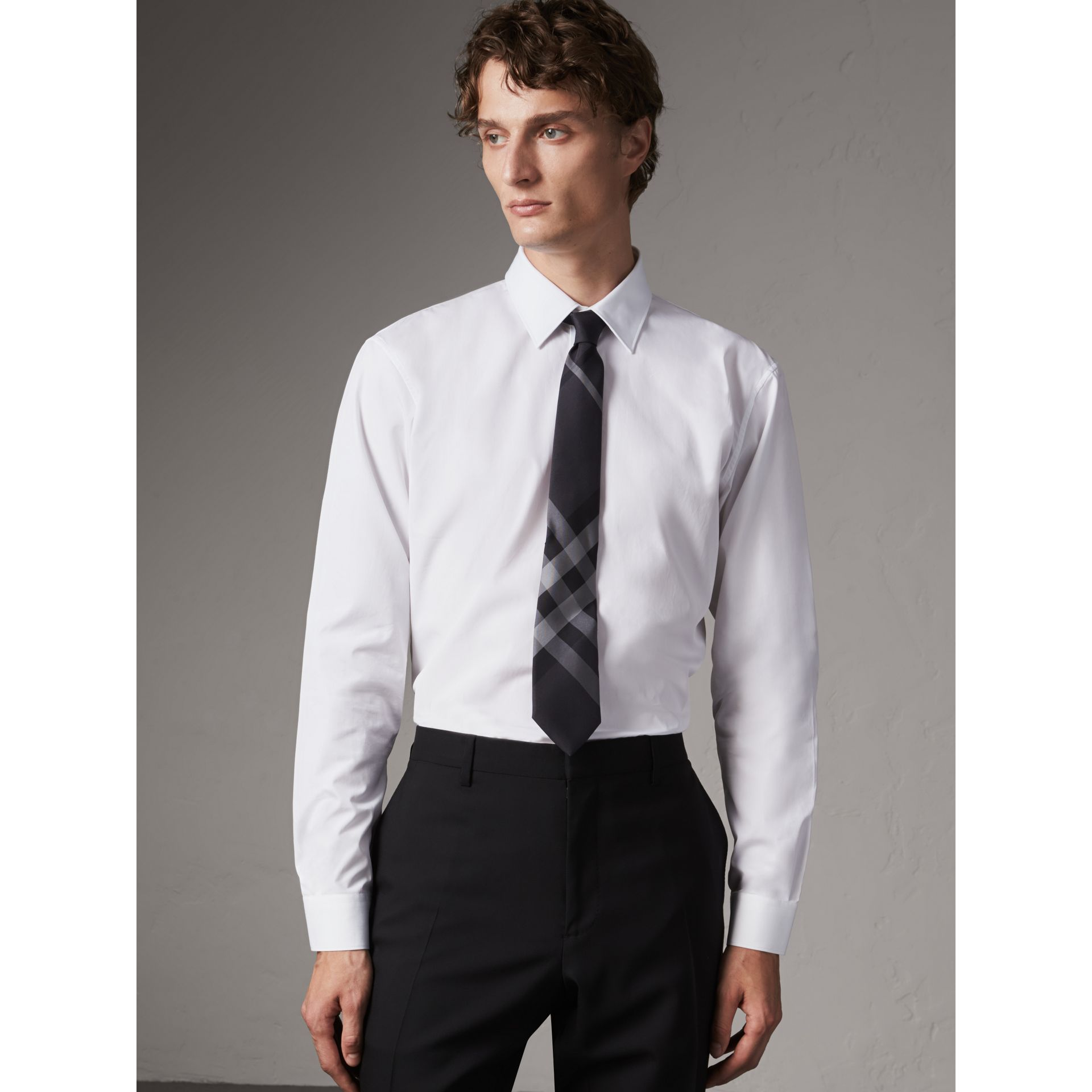 Modern Fit Cotton Poplin Shirt in White - Men | Burberry Canada - gallery image 1