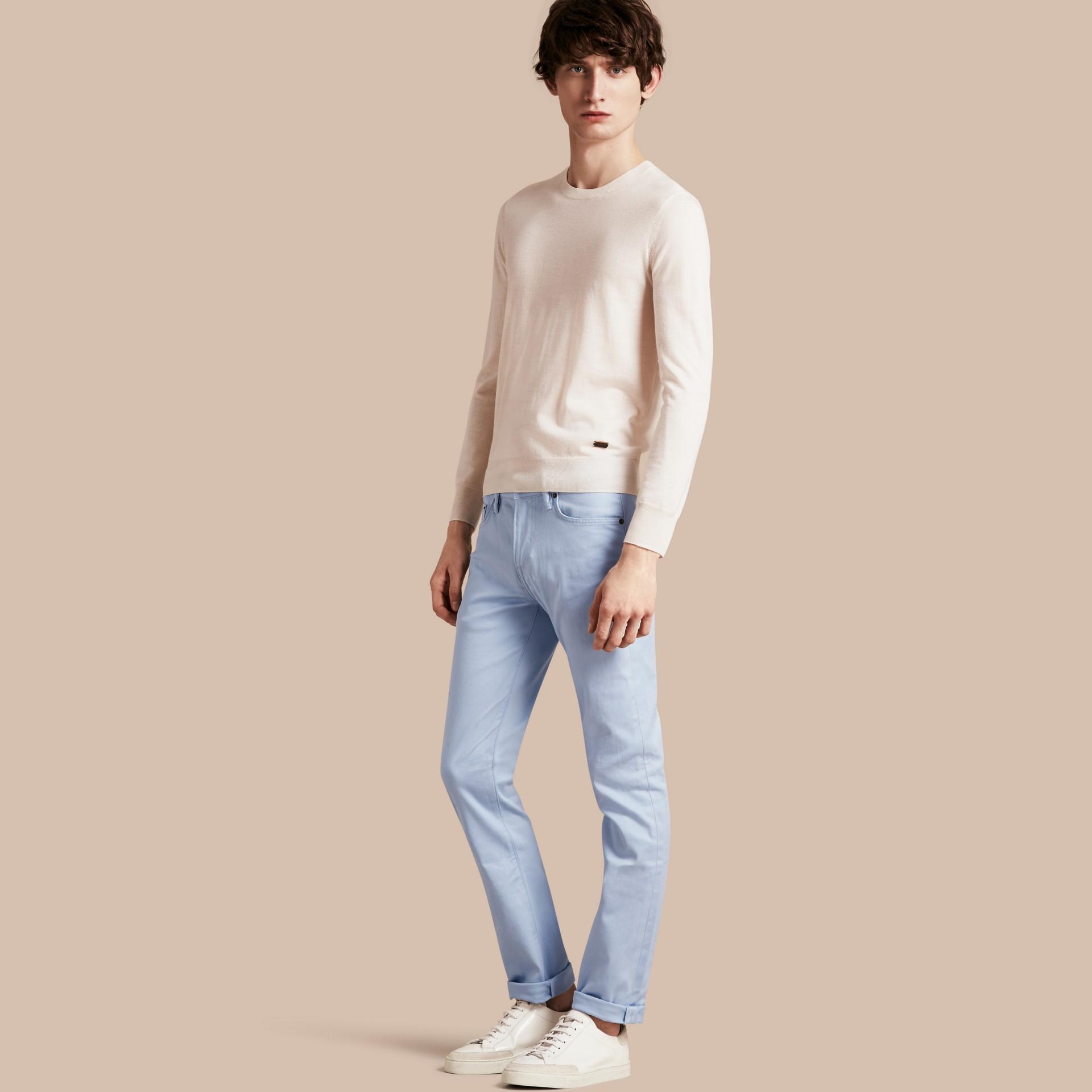 Bleu clair Jean slim en denim stretch japonais Bleu Clair - photo de la galerie 1