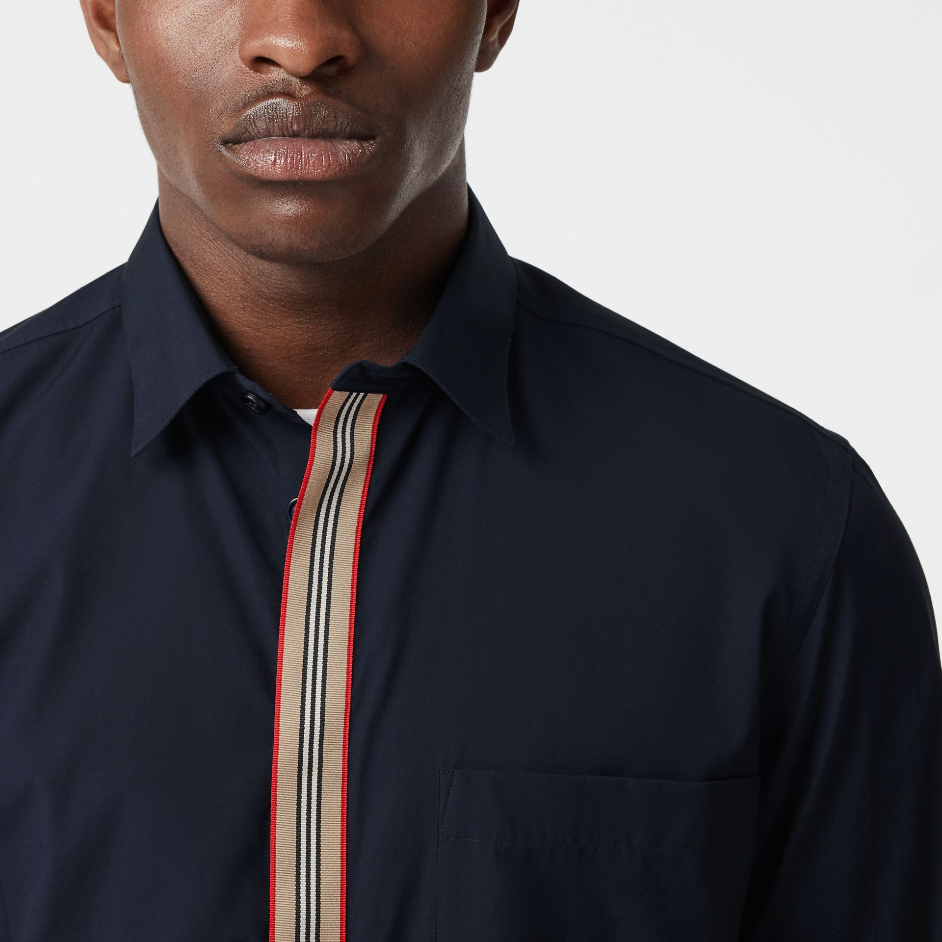 Icon Stripe Detail Stretch Cotton Poplin Shirt in Navy - Men | Burberry Canada - gallery image 1