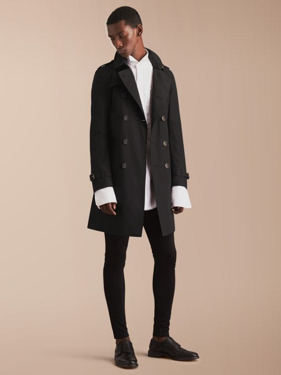 The Chelsea – Long Heritage Trench Coat in Black - Men | Burberry Singapore