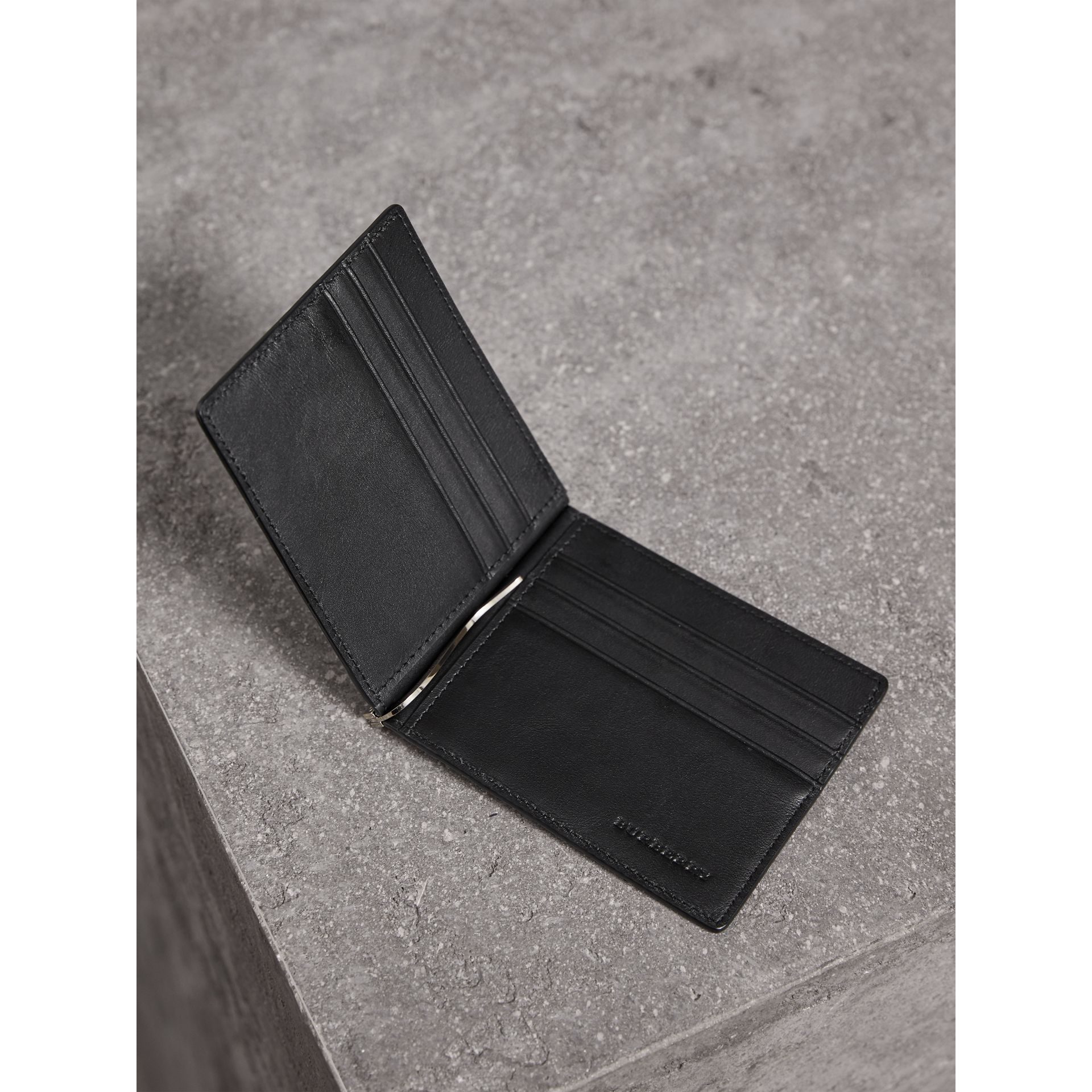 London Check Money Clip Wallet in Charcoal/black - Men | Burberry Singapore - gallery image 3