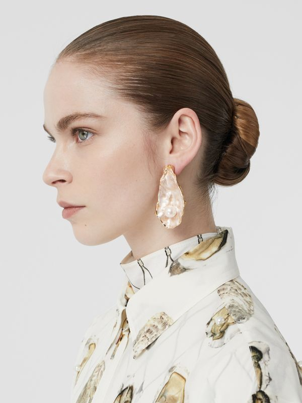 Faux Pearl Detail Gold-plated Oyster Earrings in Light  / - Women | Burberry - cell image 2