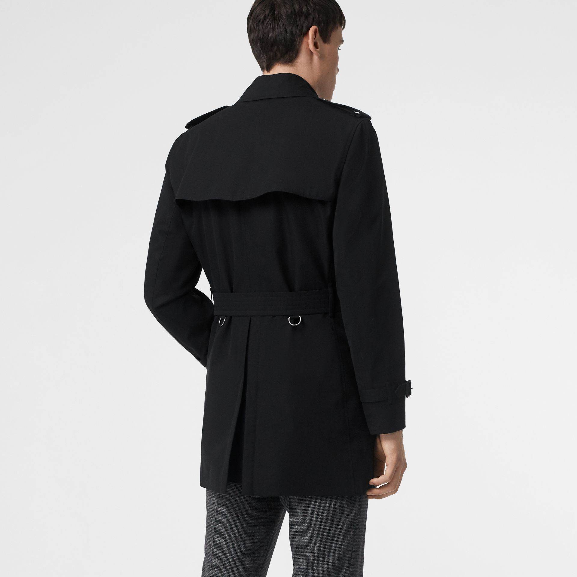 Short Chelsea Fit Trench Coat in Black - Men | Burberry - gallery image 2