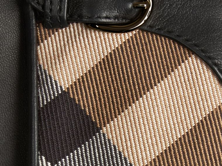 Schwarz Lederhandschuhe mit House Check-Muster Schwarz - cell image 1