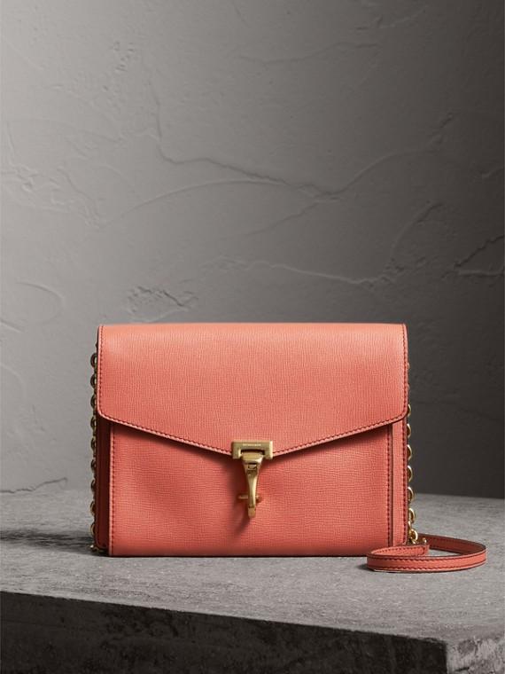 Bolsa pequena de couro com alça transversal (Vermelho Canela)