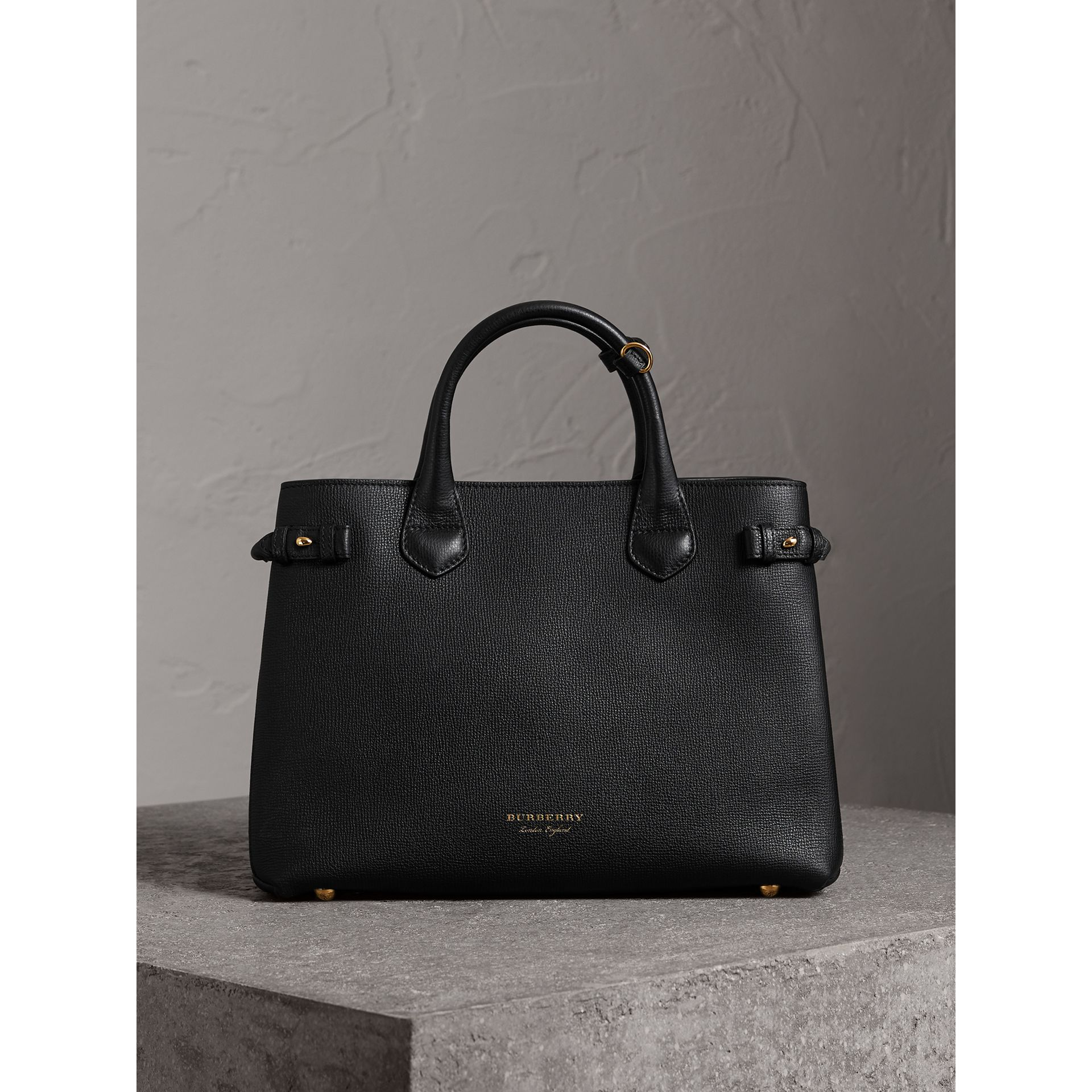 Sac The Banner moyen en cuir et coton House check (Noir) - Femme | Burberry Canada - photo de la galerie 6