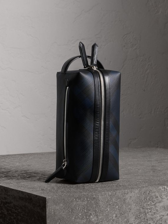 London Check and Leather Pouch in Navy/black