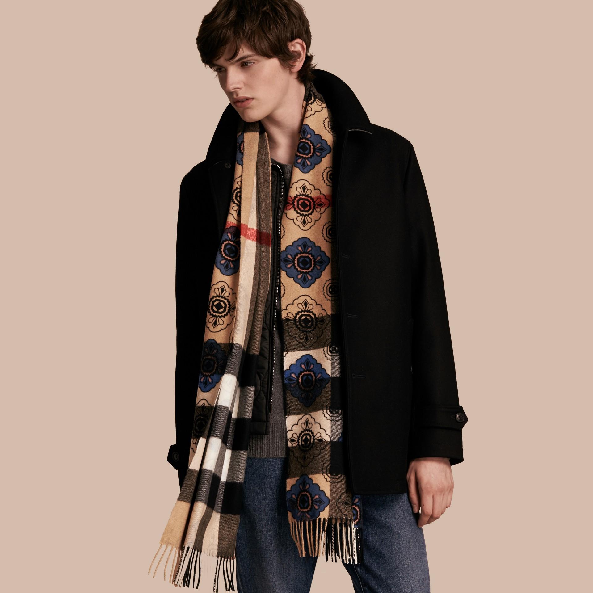 Двусторонний шарф с комбинированным принтом - изображение 4
