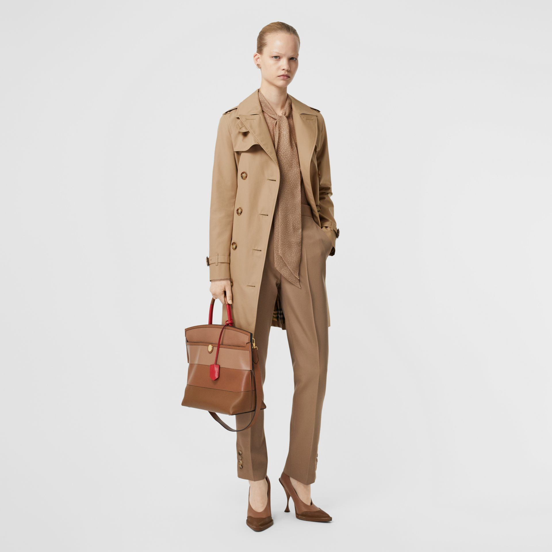 The Short Islington Trench Coat in Biscuit - Women | Burberry - gallery image 0