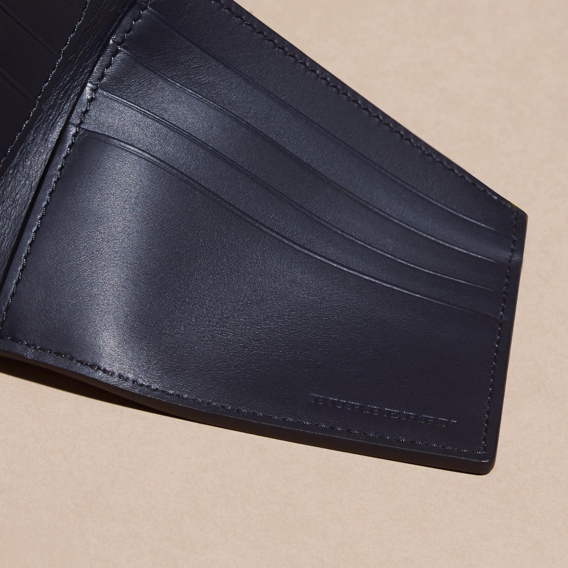 Navy scuro/blu minerale Portafoglio a libro in pelle London con inserti Navy Scuro/blu Minerale - immagine della galleria 2