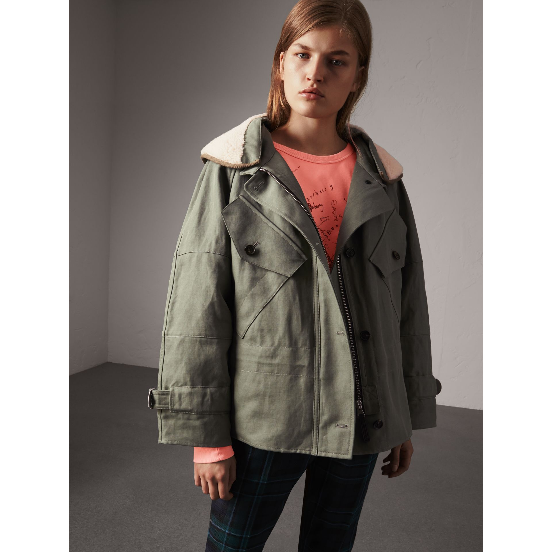 Ramie Cotton Jacket with Shearling Warmer in Slate Green - Women | Burberry United Kingdom - gallery image 5