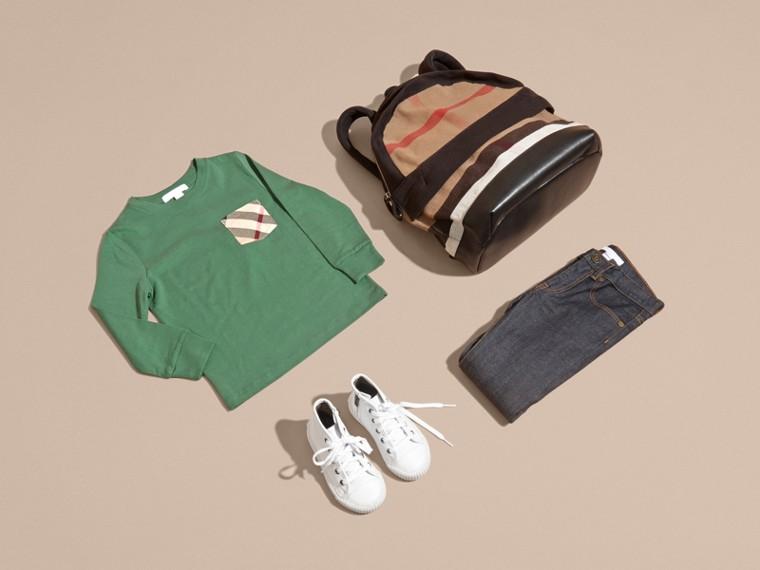 Vert forêt Haut en jersey de coton avec poche à motif check Vert Forêt - cell image 4