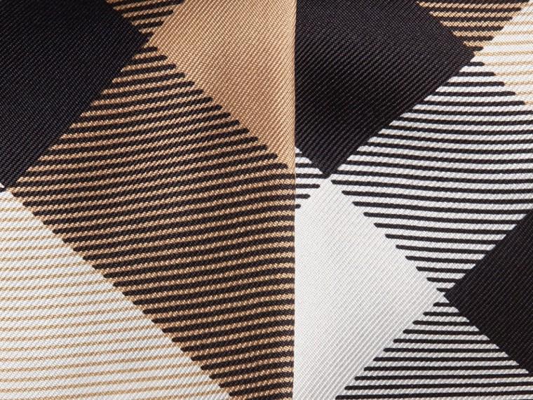 Cammello Sciarpa sottile in seta con stampa con motivo check Cammello - cell image 1