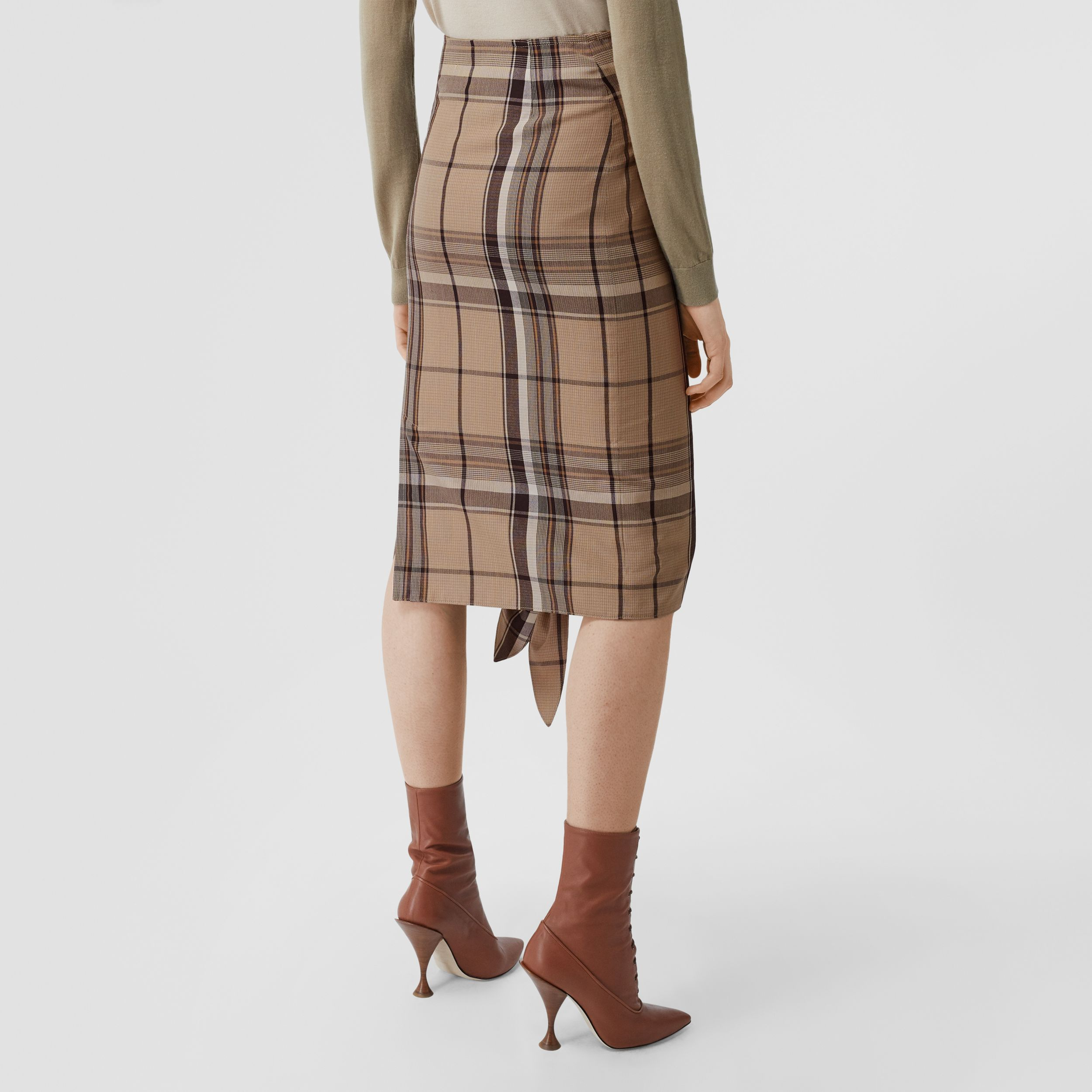 Knot Detail Check Wool Pencil Skirt in Driftwood - Women | Burberry - 3