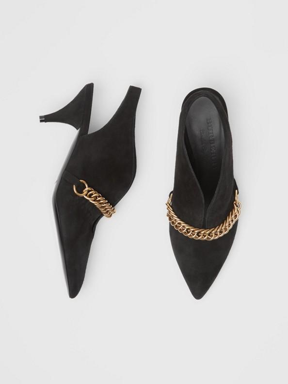 Zapatos de salón destalonados en ante con detalle de cadena (Negro)