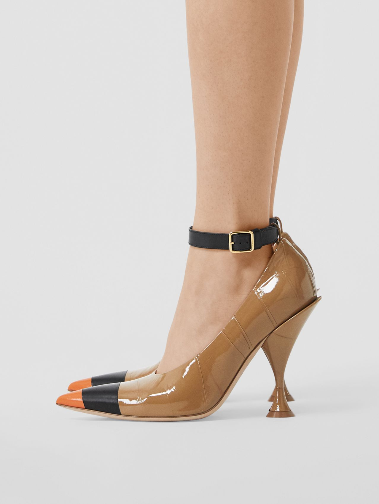 Tape Detail Leather Point-toe Pumps in Brown / Black