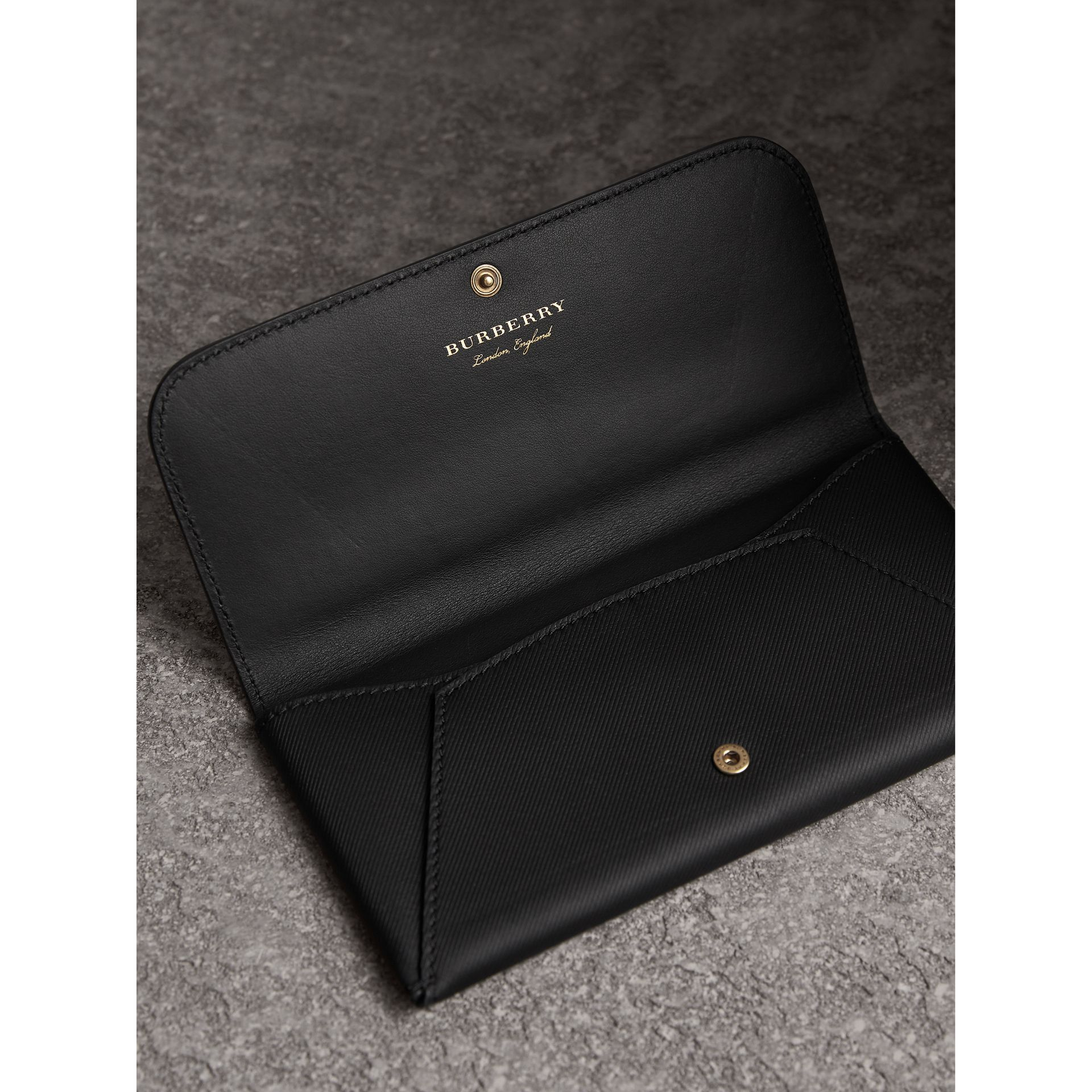 Trench Leather Envelope Wallet in Black - Women | Burberry - gallery image 3